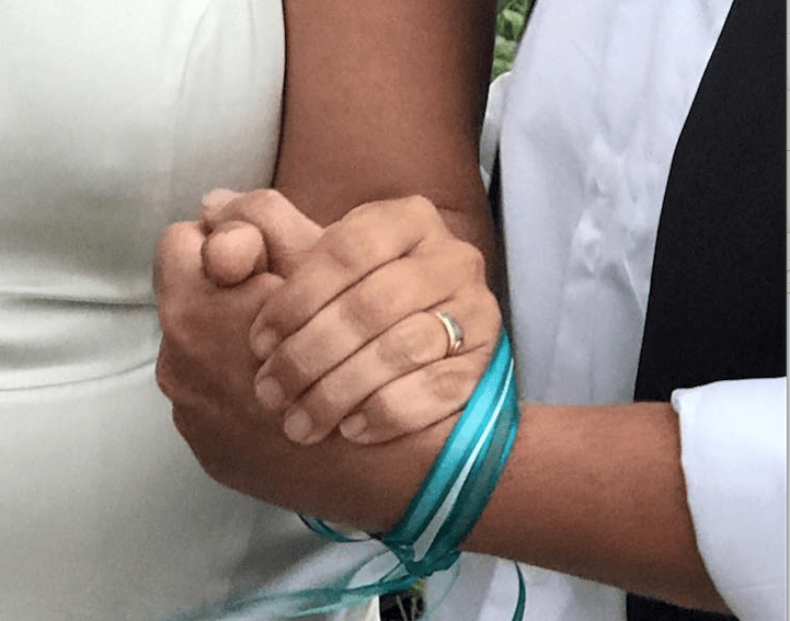 Byron Bay Celebrant and the hand fasting